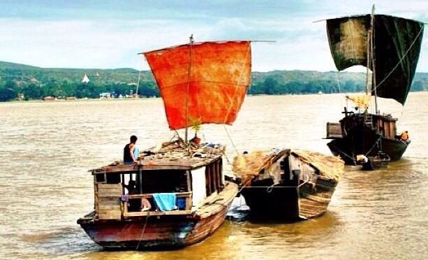From Bagan to Mandalay by boat
